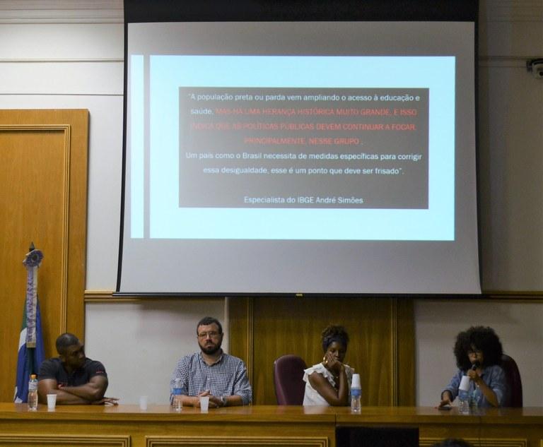Da esquerda para a direita: Vitor Matos; Armando Pinheiro Neto; Noemi de Andrade e Mariana Fonseca (Foto: Comso)