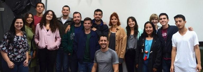 Grupo recebeu informações sobre a universidade e orientações para regularização da estadia no Brasil (Foto: Comso)