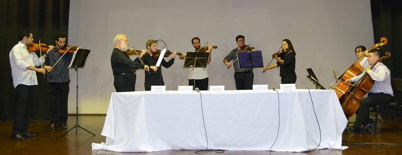 Camerata de Cordas da UNIRIO se apresentou no evento (Foto: Comso)