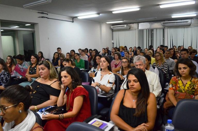 Auditório da Escola de Nutrição durante aula inaugural