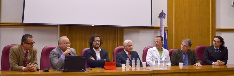 Autoridades da UNIRIO participaram da abertura da aula (Foto: Comso)