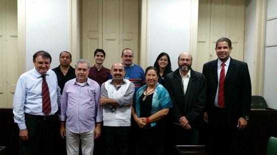 Comissão reunida na Sala dos Eméritos (Foto: Comso)