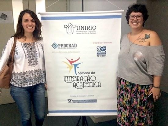 Professora Adriana Hoffmann (à esquerda) e a aluna Sara Souza (Imagem: Comso)