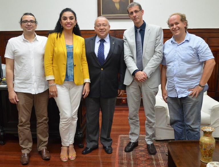 Jutuca (ao centro) destacou a importância da mobilidade acadêmica (Foto: Comso)