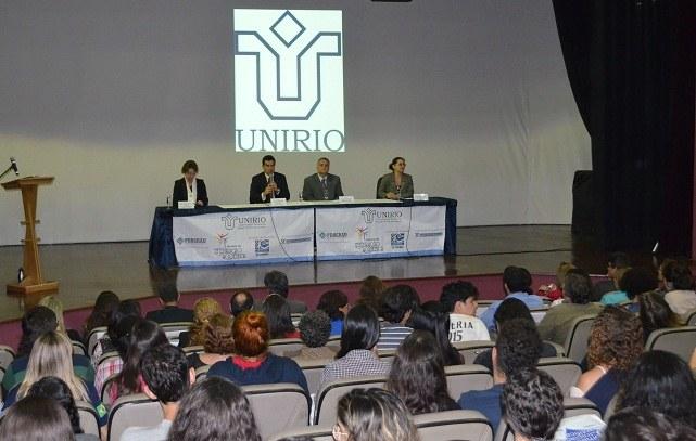 Evelyn Orrico, Ricardo Cardoso, Alcides Guarino e Cláudia Aiub participaram da mesa de abertura.