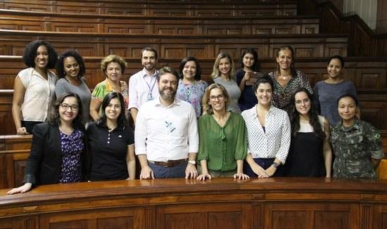 Participantes do debate que celebrou o aniversário de um ano da CPP (Foto: Felipe Monteiro/HUGG)