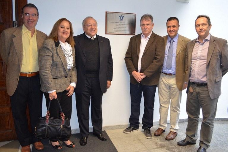 Dirigentes da UNIRIO comemoraram a ampliação da EMC, agora representada pelo Instituto Biomédico, pelo Hospital e pela Unidade (Foto: Comso)