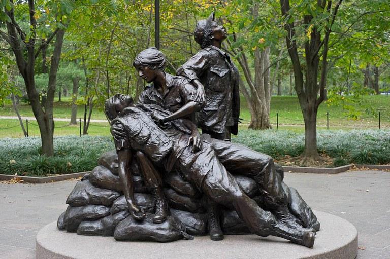 Escultura Vietnam Women's Memorial, de Glenna Goodacre, foi uma das obras analisadas no trabalho (Foto: Divulgação)