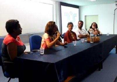 Mesa de abertura - Evento de recepção aos alunos  ingressantes - Auditório Tércio Pacitti