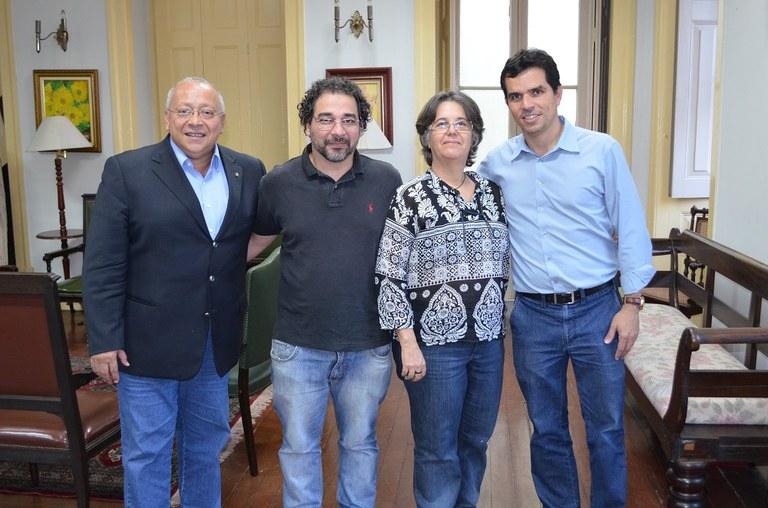 Da esquerda para a direita: o reitor Jutuca, os professores Nilton e Valéria, e o vice-reitor Ricardo Cardoso (Foto: Comso)