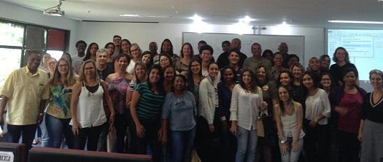 Estudantes da educação a distância da UNIRIO (Foto: Comso)