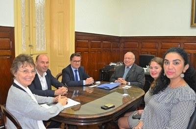 Assinatura Acordo de Cooperação Acadêmica - Unirio e Consulado da França. Foto: (Comso)