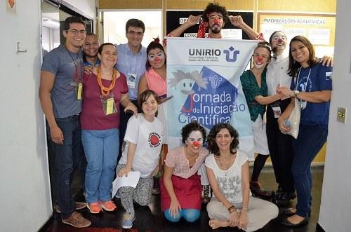 Apresentação do Projeto Enfermaria do Riso durante a JIC (Foto: Comso)