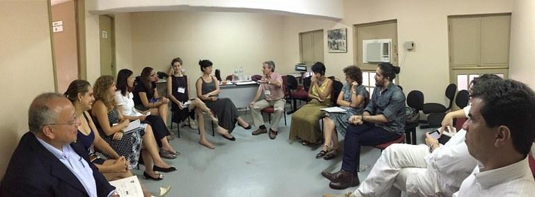 Estudantes de Harvard conversam com professores da UNIRIO e da USP, e com o deputado Jean Wyllys (Foto: PPGHIV/HV)
