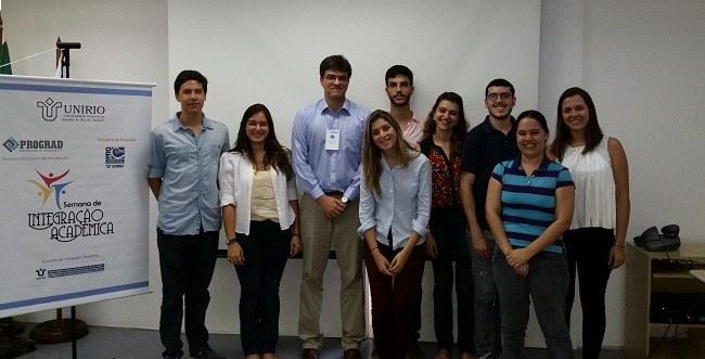 Bolsistas do Programa Jovens Talentos e o diretor de pesquisa da PROPG, Anderson Teodoro