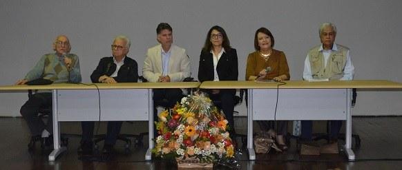 Da esquerda para a direita: Waldemar Zusman, José de Matos, Diógenes Pinheiro, Helena Uzeda, Ana Lúcia Pires e Neilton Dias (Foto: Comso)