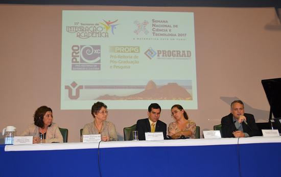 Da esquerda para a direita: Mônica Vale; Evelyn Orrico; Ricardo Cardoso; Claudia Aiub; e Alcides Guarino (Foto: Comso)