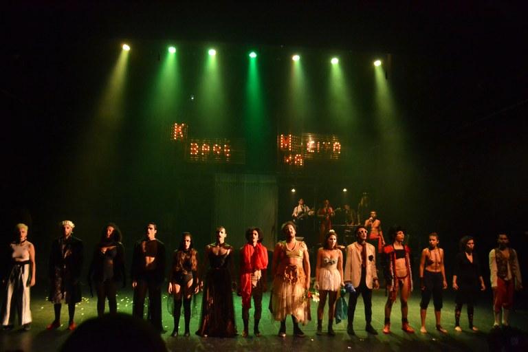 Apresentação no Teatro Nathalia Timberg (Foto: Divulgação)