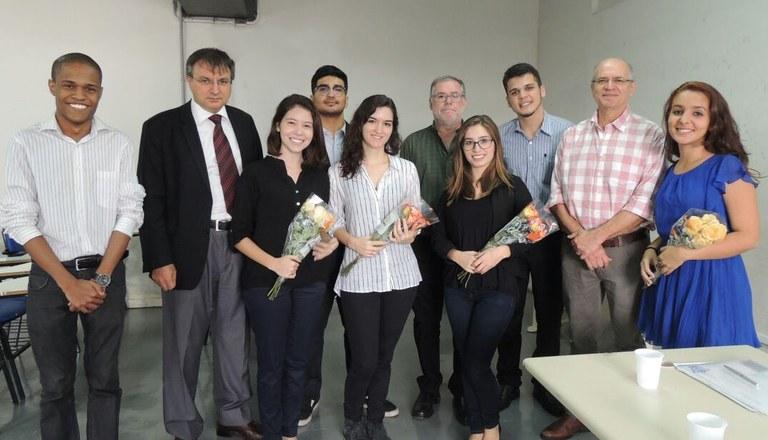 Autoridades da EAP, novos membros e ex-membros da empresa júnior participaram da cerimônia (Foto: Patamar Consultoria EJ)