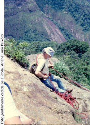 Prof. Carauta escalando