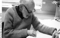 Prof. Carauta no seu gabinete MN - 90 anos