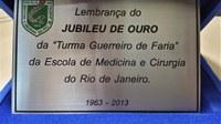 Direção do IB recebe placa comemorativa pelo apoio às comemorações do jubileu de Ouro da Turma Guerreiro de Faria