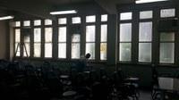 Limpeza das janelas da sala A-306