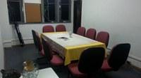 Reorganizado o espaço da sala de reuniões (A-206)