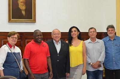 UNIRIO recebe servidor da Universidade de Moçambique (Foto: Comso)