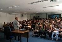 Estudantes participam da  Aula Inaugural do curso Pré-vestibular Social UNIRIO