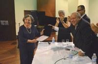 Saloméa Gandelman, do IVL, recebe título de professor benemérito da UNIRIO