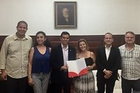 UNIRIO recebe representantes do Programa Santander Universidades